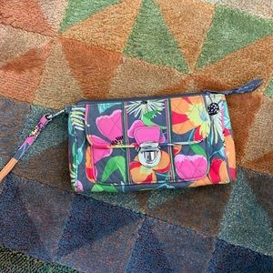 Super cute Vera Bradley wristlet- excellent shape